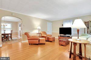 Photo of 1408 SALEM AVE, HAGERSTOWN, MD 21740 (MLS # MDWA2001008)