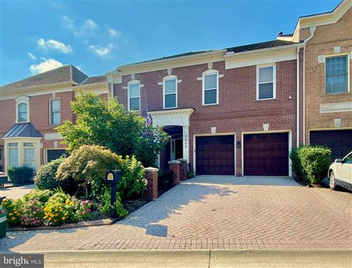 Photo of 7902 TURNCREST DR, POTOMAC, MD 20854 (MLS # MDMC725010)