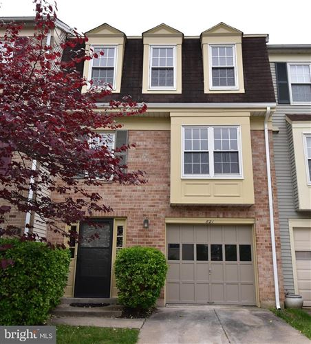 Photo of 821 IVY LEAGUE LN, ROCKVILLE, MD 20850 (MLS # MDMC708012)