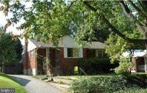 Photo of 1909 VALLEY STREAM DR, ROCKVILLE, MD 20851 (MLS # MDMC720016)