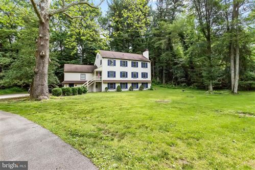 Photo of 327 ECHO VALLEY LN, NEWTOWN SQUARE, PA 19073 (MLS # PADE494016)