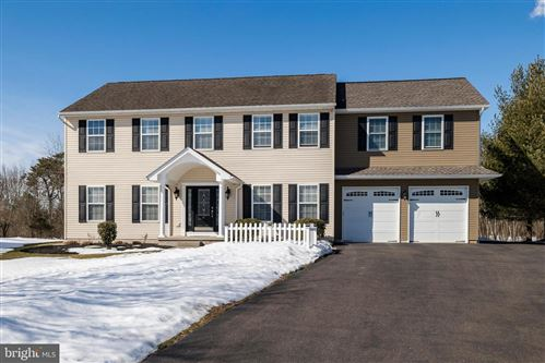 Photo of 87 GRANDVIEW DR, ROYERSFORD, PA 19468 (MLS # PAMC684018)