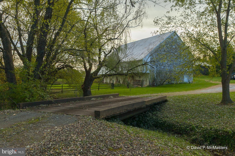 Photo of 18631 MANOR CHURCH RD, BOONSBORO, MD 21713 (MLS # MDWA2000018)