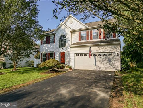 Photo of 17249 PICKWICK DR, PURCELLVILLE, VA 20132 (MLS # VALO420026)