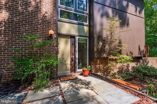 Photo of 11013 SEVEN HILL LN, POTOMAC, MD 20854 (MLS # MDMC675028)
