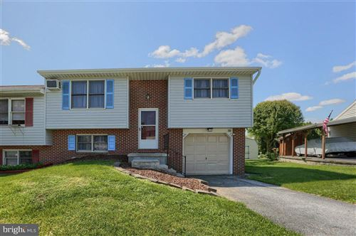 Photo of 38 PICKFORD DR, LANCASTER, PA 17603 (MLS # PALA182030)