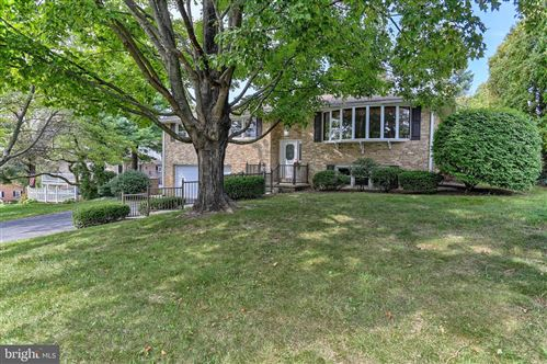 Photo of 315 TRI HILL RD, YORK, PA 17403 (MLS # PAYK146030)