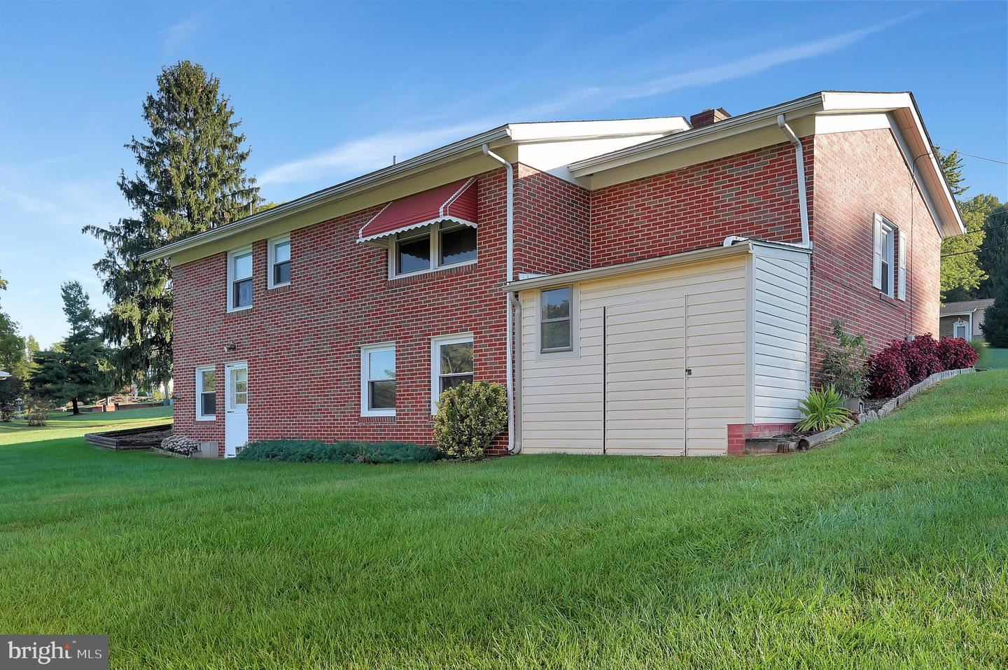 Photo of 8310 HOLLOW RD, MIDDLETOWN, MD 21769 (MLS # MDFR271030)