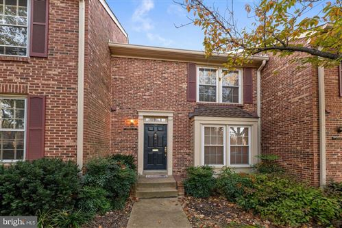 Photo of 2500 S WALTER REED DR ##B, ARLINGTON, VA 22206 (MLS # VAAR2000032)