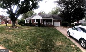 Photo of 6531 CHESTERFIELD AVE, MCLEAN, VA 22101 (MLS # VAFX1094032)