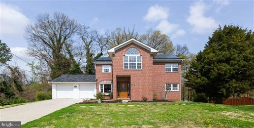 Photo of 3301 DURBIN PL, FALLS CHURCH, VA 22041 (MLS # VAFX1191034)