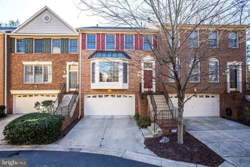 Photo of 11417 HOLLOWSTONE DR, ROCKVILLE, MD 20852 (MLS # MDMC693038)