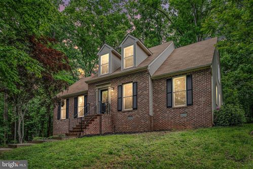 Photo of 205 EDGEMONT LN, LOCUST GROVE, VA 22508 (MLS # VAOR138038)