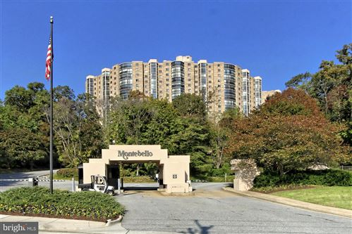 Photo of 5903 MOUNT EAGLE DR #1502, ALEXANDRIA, VA 22303 (MLS # VAFX1194044)
