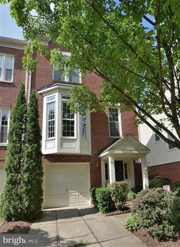 Photo of 11511 ROTHBURY SQ, FAIRFAX, VA 22030 (MLS # VAFX1131046)