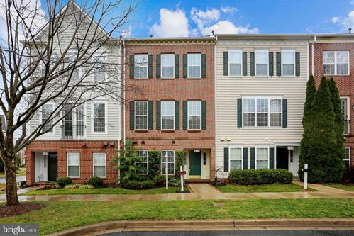 Photo of 579 MARKET ST E, GAITHERSBURG, MD 20878 (MLS # MDMC747048)