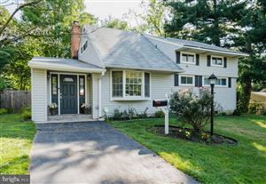 Photo of 803 CROTHERS LN, ROCKVILLE, MD 20852 (MLS # MDMC672050)
