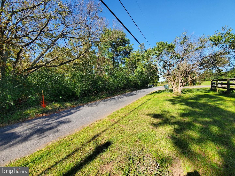 Photo of SUGARLAND LN, POOLESVILLE, MD 20837 (MLS # MDMC730052)