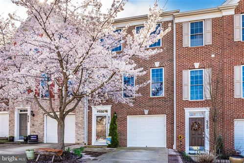 Photo of 6378 MEANDERING WOODS CT, FREDERICK, MD 21701 (MLS # MDFR262054)