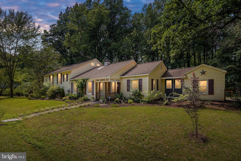 Photo of 570 COURTHOUSE MOUNTAIN RD, MADISON, VA 22727 (MLS # VAMA2000056)