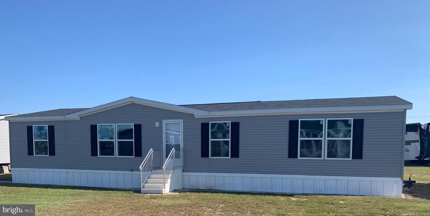 Photo of 109 CAPTAINS WAY, MILLSBORO, DE 19966 (MLS # DESU170058)