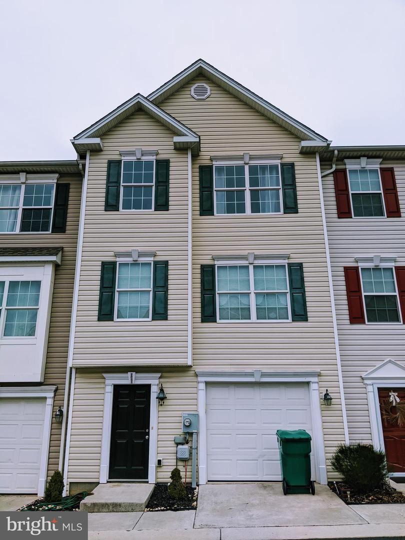 540 SOUTH CARLISLE ST S, Greencastle, PA 17225 - #: PAFL171058
