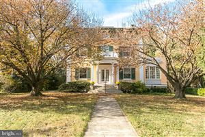Photo of 4828 ROLAND AVE, BALTIMORE, MD 21210 (MLS # MDBA489060)