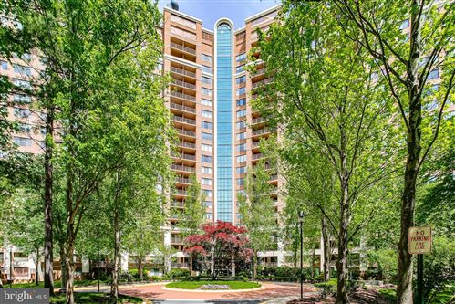 Photo of 10101 GROSVENOR PL #909, ROCKVILLE, MD 20852 (MLS # MDMC752060)