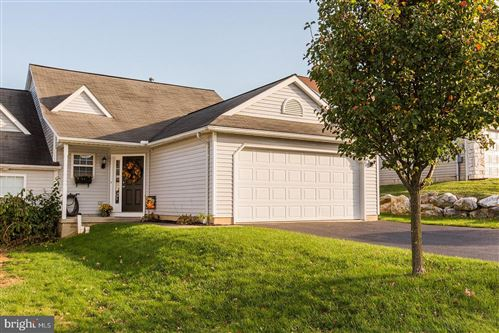 Photo of 623 BLOSSOM HILL LN, DALLASTOWN, PA 17313 (MLS # PAYK128062)