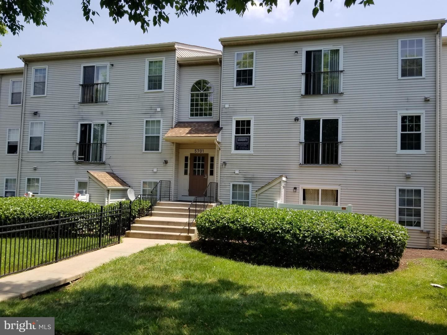 Photo of 5701 LAVENDER PLAZA #F, FREDERICK, MD 21703 (MLS # MDFR266062)