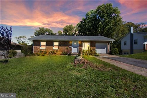 Photo of 818 W MAPLE AVE, STERLING, VA 20164 (MLS # VALO424068)