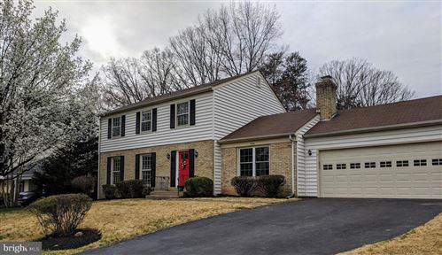 Photo of 5336 ELLZEY DR, FAIRFAX, VA 22032 (MLS # VAFX1117070)