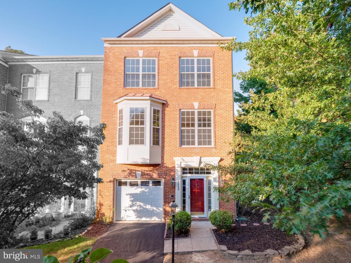 Photo of 13080 PARK CRESCENT CIR, HERNDON, VA 20171 (MLS # VAFX1162070)