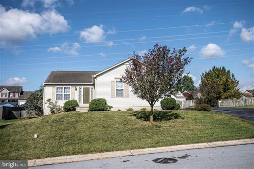 Photo of 13512 SOVEREIGN TER, HAGERSTOWN, MD 21742 (MLS # MDWA175072)