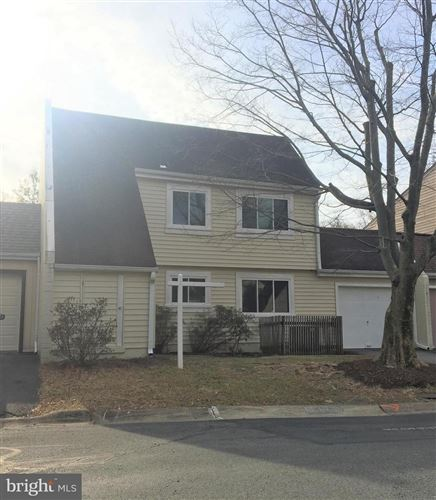 Photo of 1492 ROUNDLEAF CT, RESTON, VA 20190 (MLS # VAFX1114074)