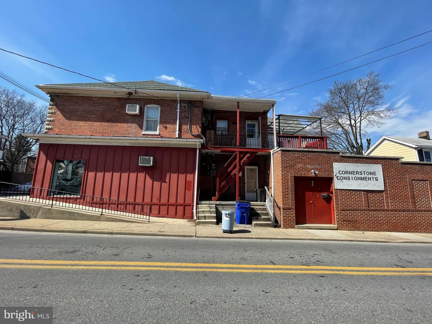 Photo of 144 FAIRGROUND AVE, HAGERSTOWN, MD 21740 (MLS # MDWA2000074)