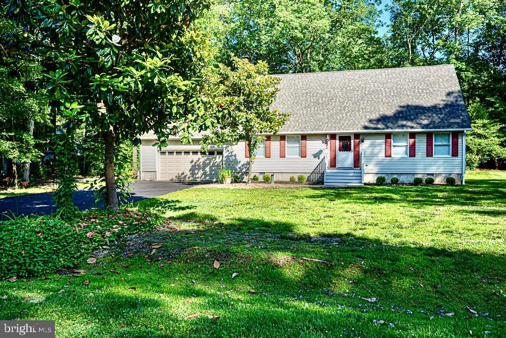 Photo of 5 COVENTRY CT, OCEAN PINES, MD 21811 (MLS # MDWO2000076)