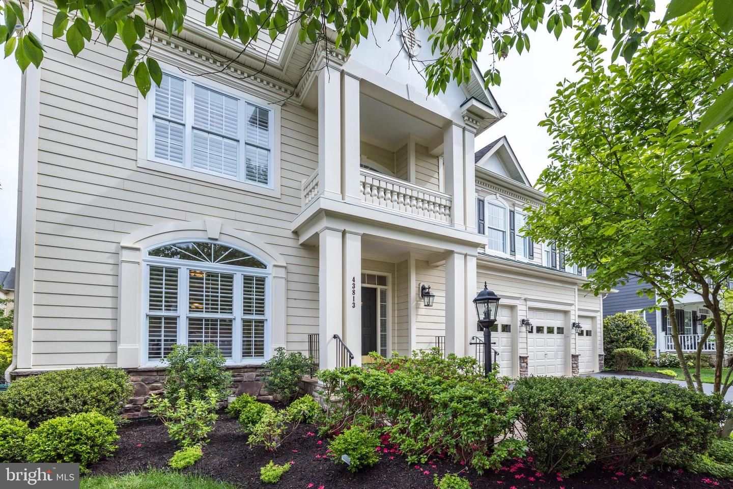 Photo of 43813 RIVERPOINT DR, LEESBURG, VA 20176 (MLS # VALO437076)