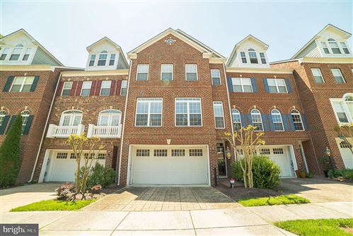 Photo of 214 ZINFANDEL LN, ANNAPOLIS, MD 21401 (MLS # MDAA435080)