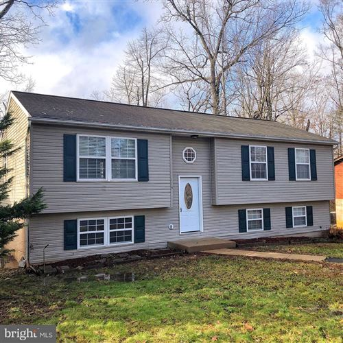 Photo of 115 REPUBLIC AVE, LOCUST GROVE, VA 22508 (MLS # VAOR138084)