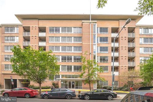 Photo of 350 G ST SW #N618, WASHINGTON, DC 20024 (MLS # DCDC518088)