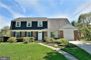 Photo of 7000 OLD CABIN LN, ROCKVILLE, MD 20852 (MLS # MDMC653088)
