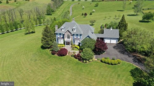 Photo of 16080 GOLD CUP LN, PAEONIAN SPRINGS, VA 20129 (MLS # VALO404088)