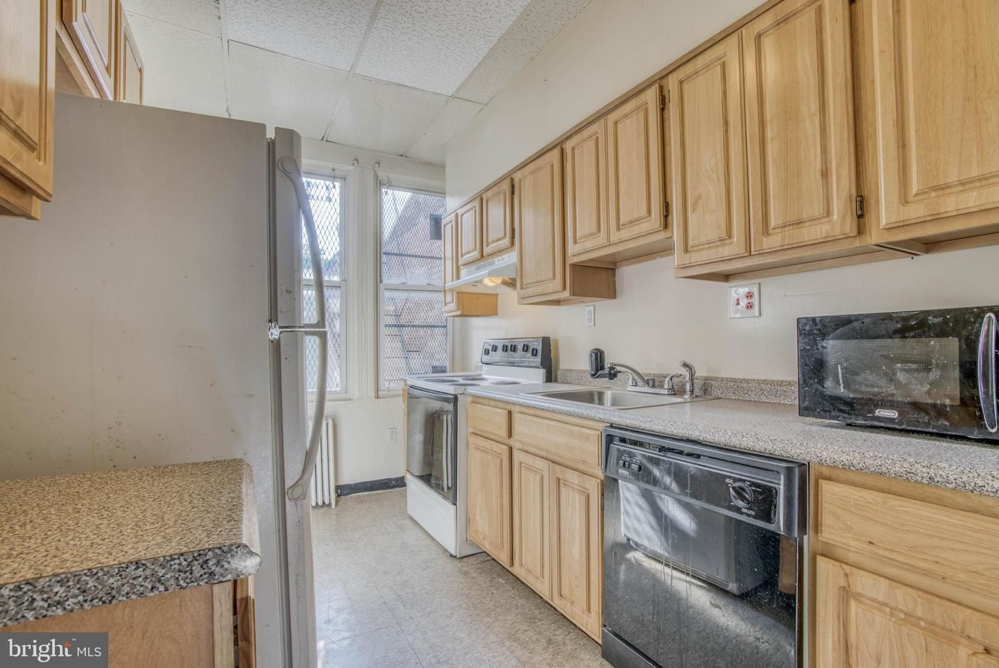 Photo of 1756 PARK AVE, BALTIMORE, MD 21217 (MLS # MDBA516090)