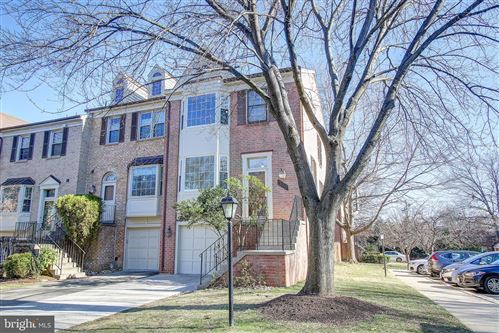 Photo of 310 LYNN MANOR DR, ROCKVILLE, MD 20850 (MLS # MDMC690092)
