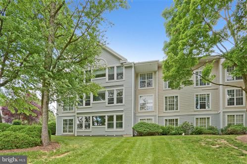 Photo of 108 COUNTRY PLACE DR, LANCASTER, PA 17601 (MLS # PALA170092)