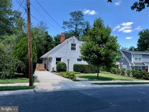 Photo of 5711 CRAWFORD DR, ROCKVILLE, MD 20851 (MLS # MDMC674094)