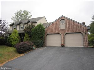 Photo of 137 COUNTRY DR, DENVER, PA 17517 (MLS # PALA142096)