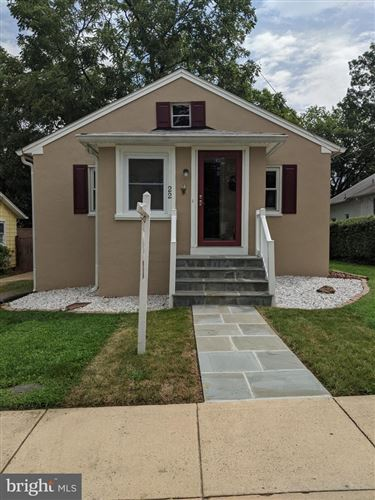 Photo of 22 PERSHING AVE NW, LEESBURG, VA 20176 (MLS # VALO402098)