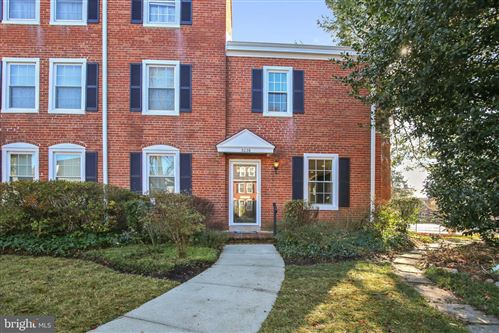 Photo of 3026 S ABINGDON ST, ARLINGTON, VA 22206 (MLS # VAAR158102)